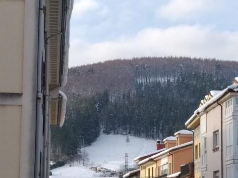 ❄️⚠️ Posible caída de nieve desde los tejados
