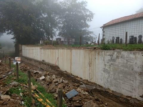 En el plazo de un mes la pared del cementerio estará terminada